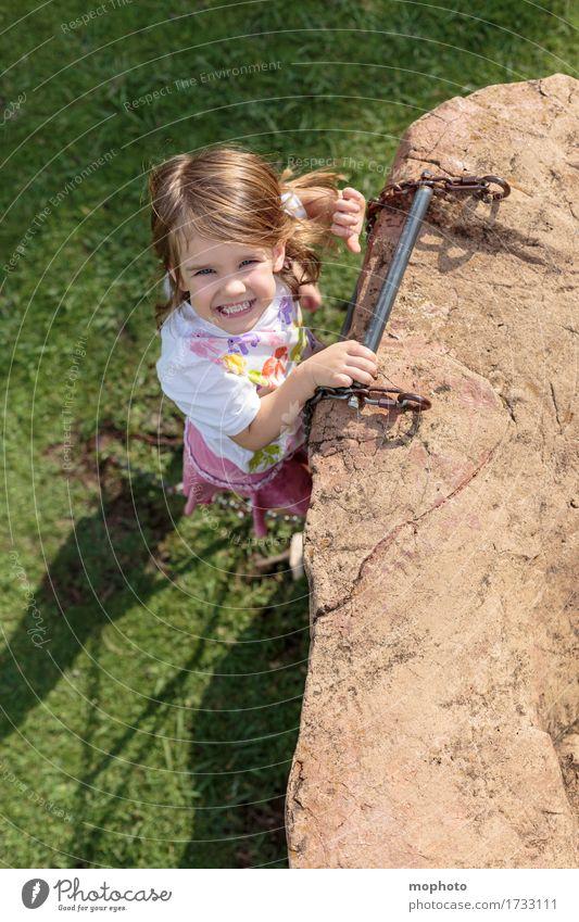 Himmelsstürmer #2 Spielen Spielplatz Ausflug Klettern Kindererziehung Kindergarten Mensch feminin Kleinkind Mädchen Kindheit 1 3-8 Jahre Garten Wiese Lächeln