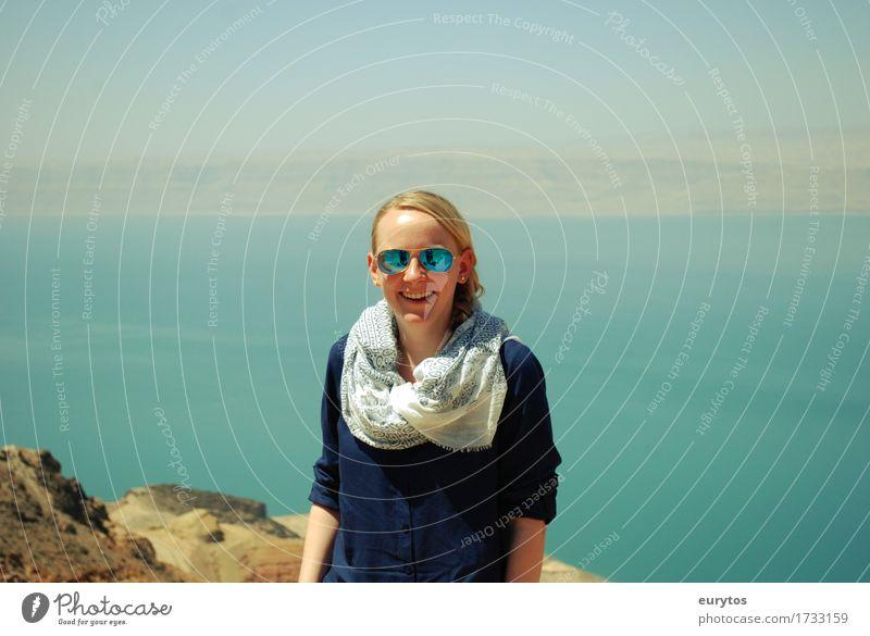 Lisa Mensch Frau Jugendliche blau Junge Frau Landschaft Meer Mädchen 18-30 Jahre Erwachsene Leben feminin Gesundheit Glück Mode Stimmung
