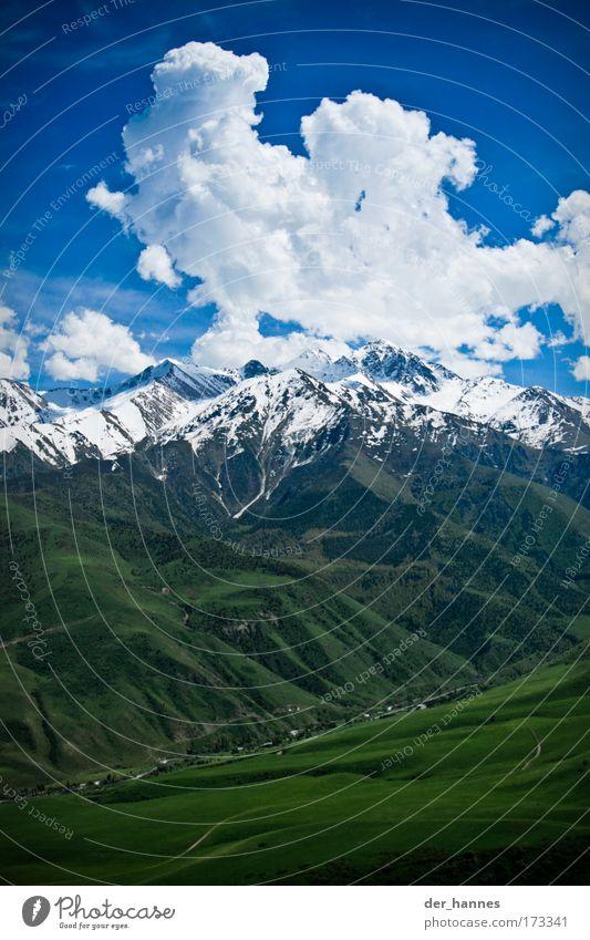 Schattenspender Natur Himmel weiß grün blau Pflanze Sommer Wolken Wiese Berge u. Gebirge Frühling Landschaft Luft Feld Wetter Umwelt