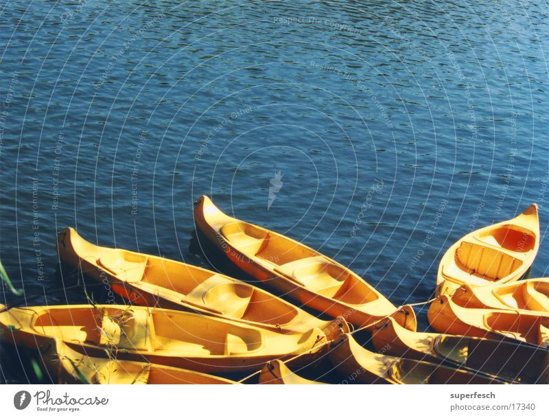 Mary River Wasserfahrzeug Kanu gelb Australien Fluss padeln