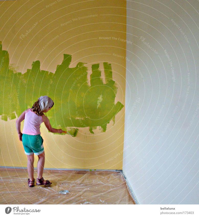 Aktion Schulstreich! Mensch Kind grün Mädchen Freude Farbe Leben Wand Farbstoff Glück Stimmung Kindheit Fröhlichkeit neu streichen