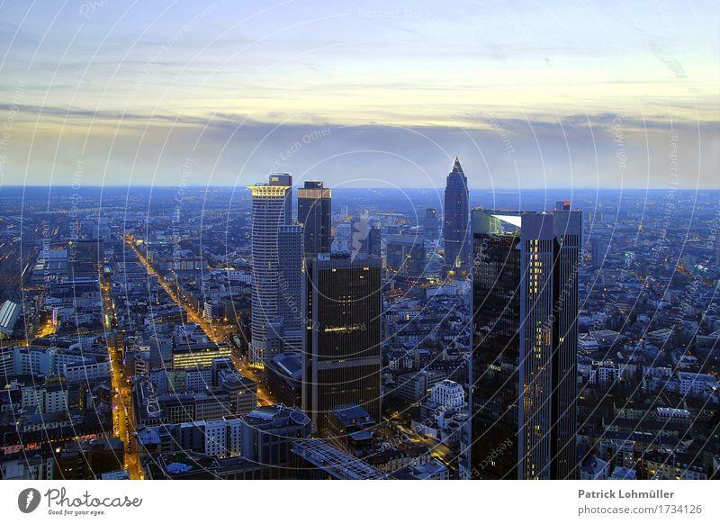 Frankfurt von oben Himmel Stadt Haus Umwelt Architektur Gebäude Business Deutschland Tourismus Horizont glänzend leuchten Europa Energie Beton Schönes Wetter