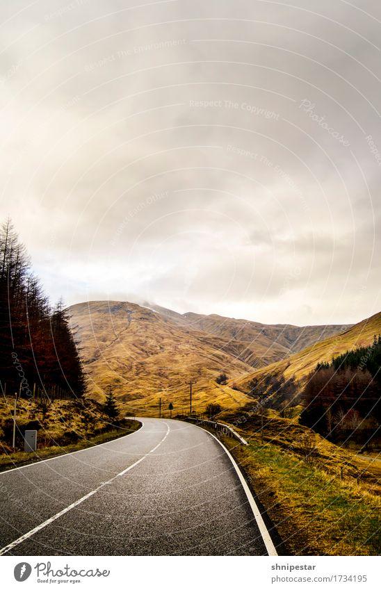 Curved Ferien & Urlaub & Reisen Ausflug Abenteuer Ferne Umwelt Natur Landschaft Urelemente Wolken Klima schlechtes Wetter Berge u. Gebirge Highlands Schottland