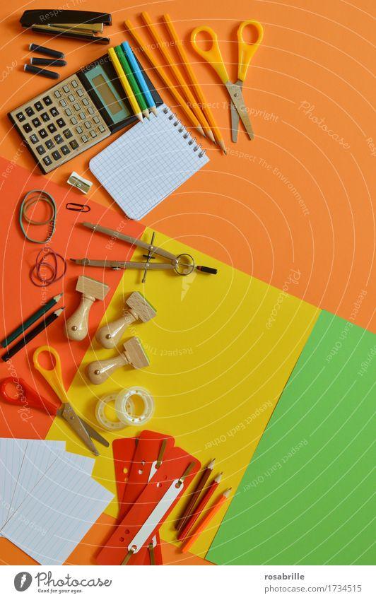 bunter Arbeitsplatz Freude Business Schule orange Arbeit & Erwerbstätigkeit Büro Fröhlichkeit lernen Papier Bildung schreiben Schreibstift Berufsausbildung