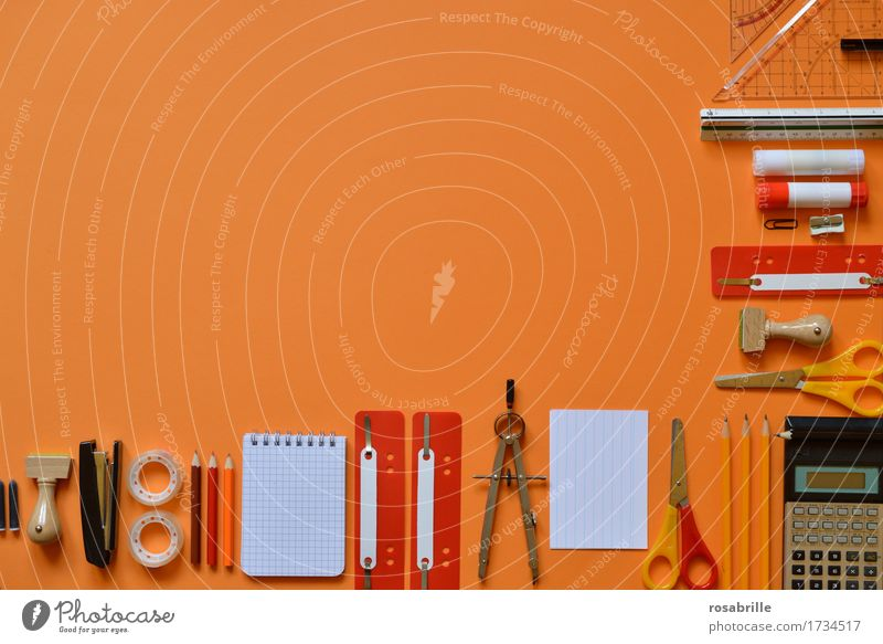Spass bei der Arbeit Schule orange Arbeit & Erwerbstätigkeit Büro lernen Papier lesen Bildung schreiben Schreibstift Arbeitsplatz Berufsausbildung Zettel