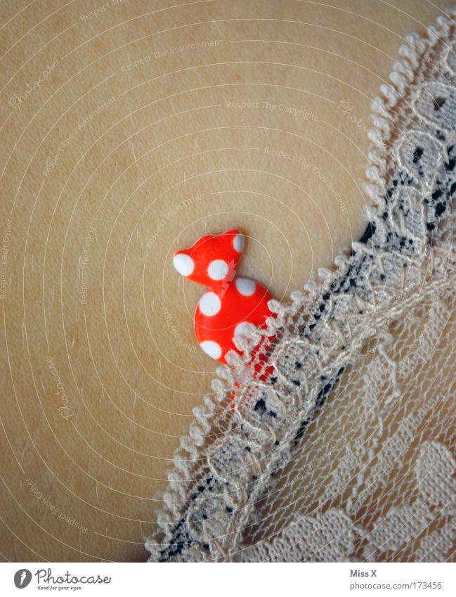 Zucker in der Hose Mensch feminin Haut Ernährung süß Gesäß Neugier Punkt Leidenschaft lecker Süßwaren Schmuck Spitze Etikett Unterwäsche Dessert