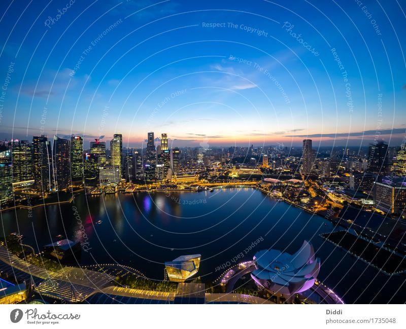 Singapur Weitsicht bei Nacht Singapore Singapurer Asien Hauptstadt Hafenstadt Skyline Haus Hochhaus Bankgebäude Bauwerk Gebäude Sehenswürdigkeit Wasser