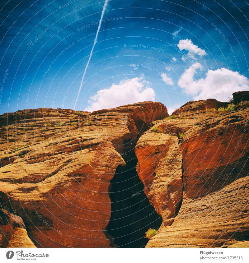 Upper Antelope Canyon [54] Tourismus Ausflug Hügel Felsen Berge u. Gebirge Schlucht Stein Sand berühren eckig USA Amerika Felswand Felsvorsprung Felsspalten