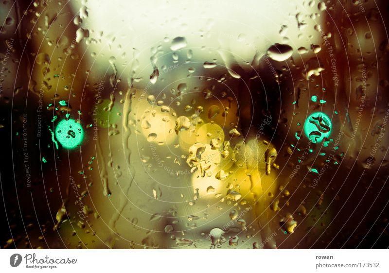 grünes licht Farbfoto Gedeckte Farben Menschenleer Tag Abend Unschärfe Schwache Tiefenschärfe Klima Wetter schlechtes Wetter Unwetter Sturm Regen Gewitter Stadt