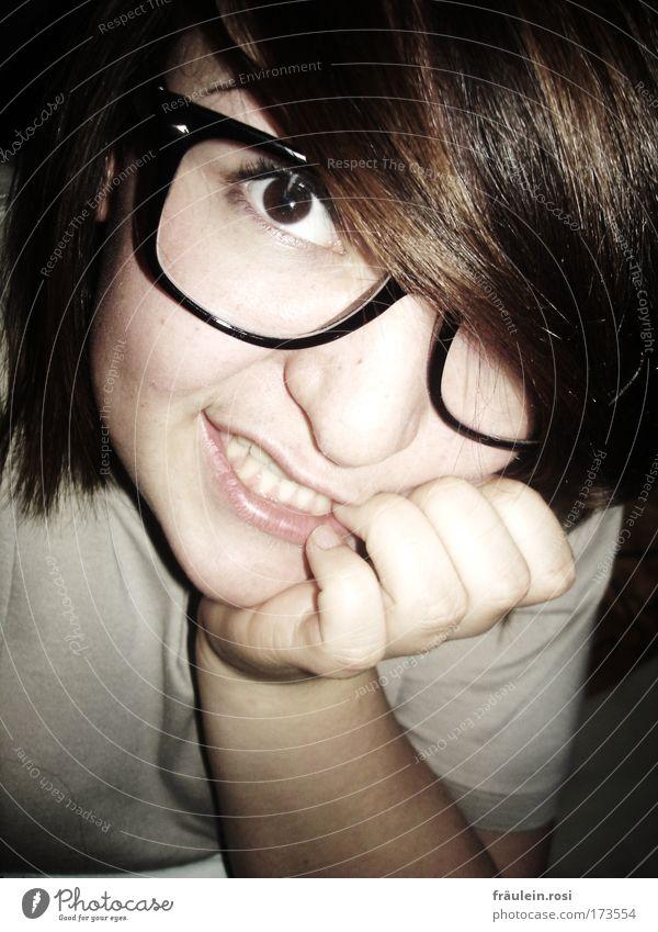 klarer sehn? Mensch Jugendliche Hand Gesicht Erwachsene Auge feminin Kopf Haare & Frisuren Denken Arme Haut Mund Nase Finger 18-30 Jahre