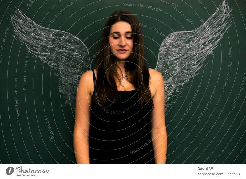 Frau als Engel mit Flügeln engelsgleich unschuldig Unschuld Schutzengel sanft Traum Wunsch Weihnachten