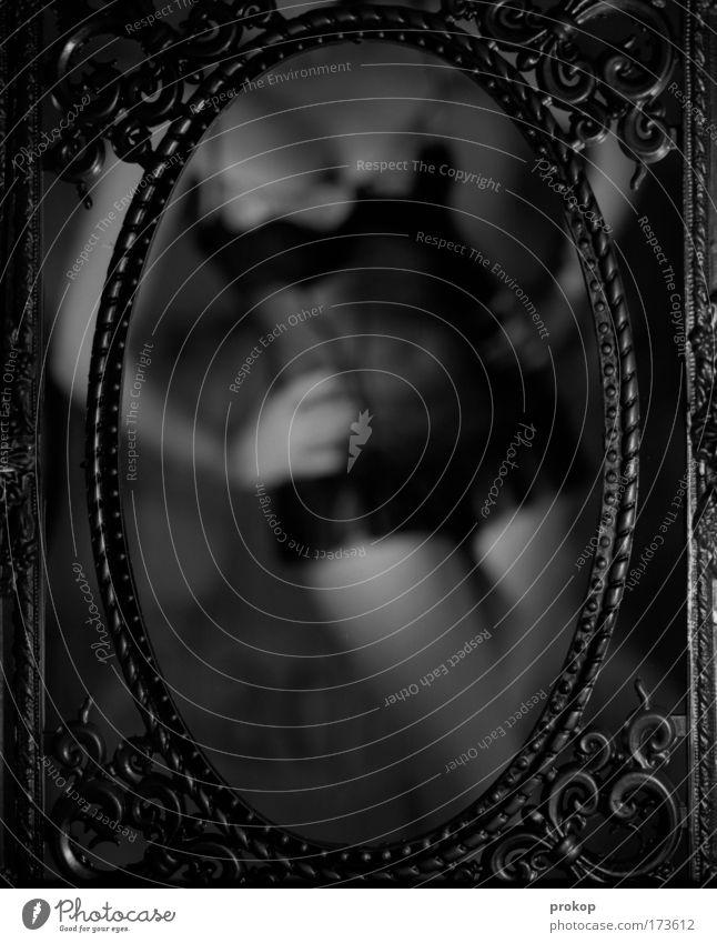 Spaghetti Western Schwarzweißfoto feminin Junge Frau Jugendliche Erwachsene Körper stehen ästhetisch dunkel Erotik schön retro dünn Romantik Begierde Lust