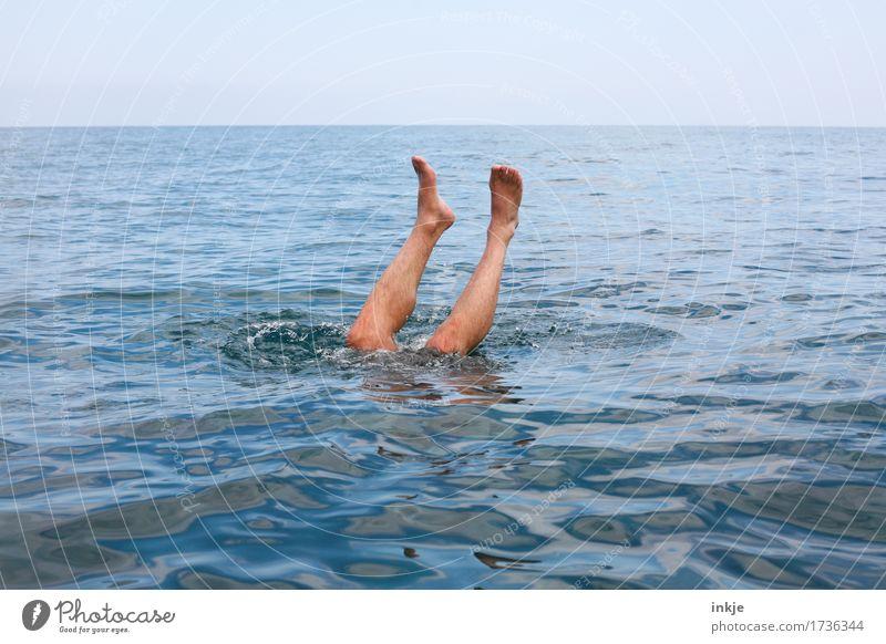 Tiefseetaucher Ferien & Urlaub & Reisen Sommer Sommerurlaub Schwimmen & Baden tauchen Mann Erwachsene Leben Beine Männerbein 1 Mensch 30-45 Jahre 45-60 Jahre