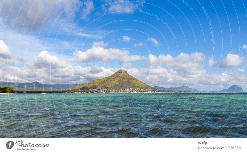 Tourelle du Tamarin Mauritius vom Meer gesehen Ferien & Urlaub & Reisen Tourismus Sommer Insel Berge u. Gebirge Wasser Wolken Bucht türkis tamarin black river