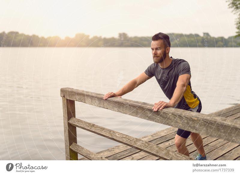 Mensch Jugendliche Mann Sommer 18-30 Jahre Gesicht Erwachsene Wärme Sport Lifestyle Holz See maskulin Textfreiraum Körper Fitness