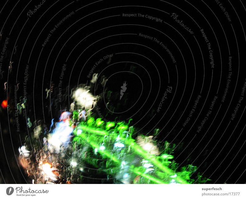 Nachtfahrt 1 grün Regen Beleuchtung Verkehr fahren Neonlicht unterwegs Tankstelle