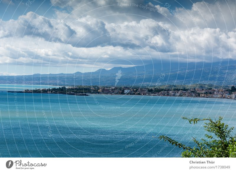 Sizilien / Taormina Natur Ferien & Urlaub & Reisen Sommer Meer Erholung Ferne Strand Berge u. Gebirge Umwelt Leben Küste Freiheit Tourismus Wellen wandern