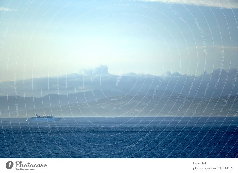 Morgenstimmung über dem Mittelmeer Wasser Himmel Meer blau Sommer Ferien & Urlaub & Reisen Wolken Ferne Erholung Freiheit Metall Insel Tourismus Lebensfreude Gelassenheit Schifffahrt