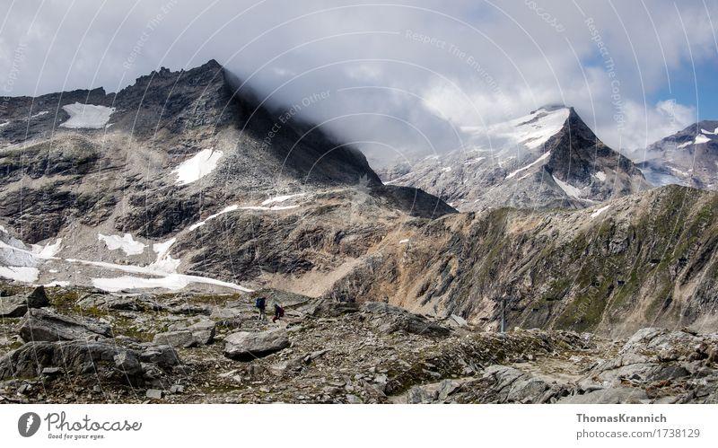 Alpine Hochgebirgslandschaft Tourismus Ausflug Abenteuer Expedition Sport wandern Mensch 2 Landschaft Wolken Alpen Berge u. Gebirge sportlich Natur Alps