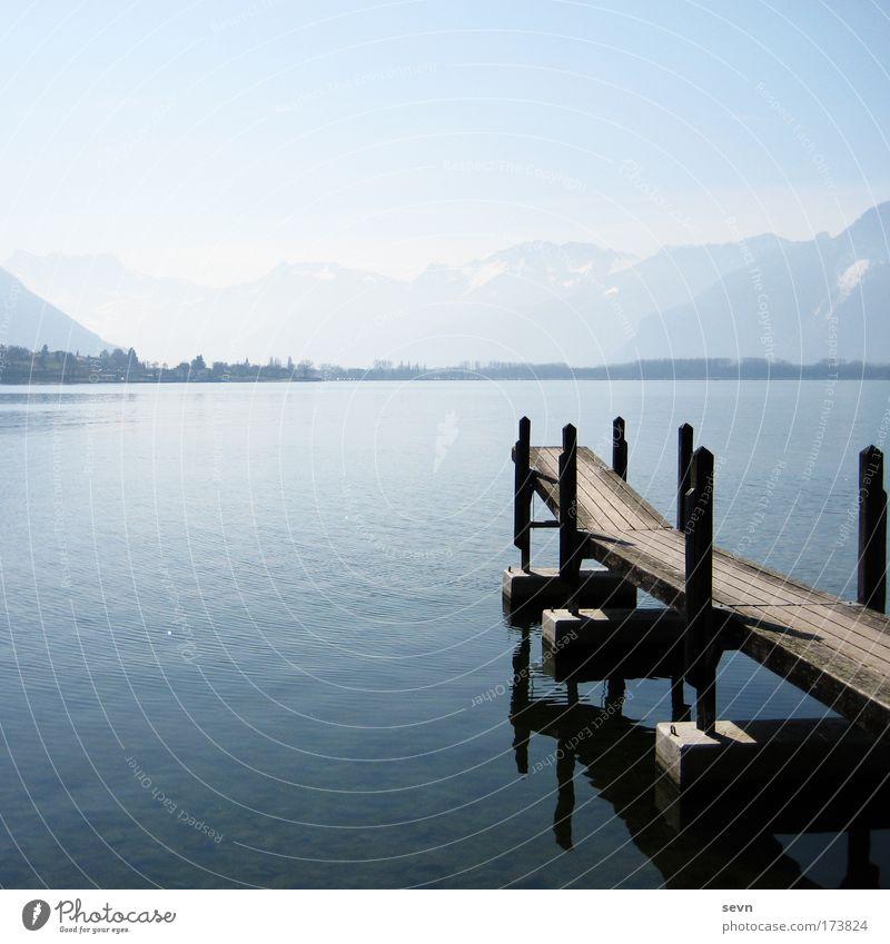 Zur Mitte Natur Wasser schön Himmel weiß blau Sommer Ferien & Urlaub & Reisen Erholung Berge u. Gebirge Frühling Freiheit Holz träumen See Landschaft
