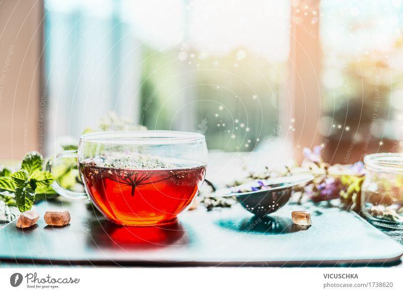 Tasse mit Kräutertee am Fenster Natur Gesunde Ernährung Fenster Leben Stil Gesundheit Design Häusliches Leben frisch Tisch Fitness Kräuter & Gewürze Getränk Erkältung Medikament Duft