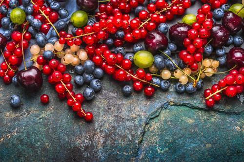 Köstliche Sommerbeeren Gesunde Ernährung Foodfotografie Leben Gesundheit Stil Lebensmittel Design Frucht Bioprodukte Beeren Vegetarische Ernährung Diät Kirsche
