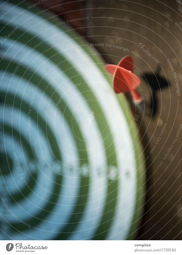 Fail Stil Freude Glück sparen Freizeit & Hobby Darts Sport Sportler Sportveranstaltung Erfolg Verlierer Schule Prüfung & Examen Büro Börse Geldinstitut Business