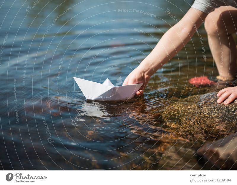 im Hafen Kind Natur Ferien & Urlaub & Reisen Sommer Wasser Sonne Freude Strand Umwelt Küste Gesundheit Spielen Glück Freiheit Schwimmen & Baden Tourismus