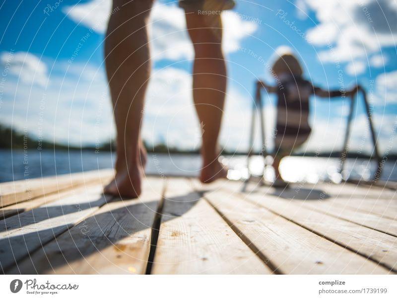 am See Kind Ferien & Urlaub & Reisen Sommer schön Sonne Meer Erholung Freude Strand Erwachsene Holz Familie & Verwandtschaft Freiheit Schwimmen & Baden See Tourismus