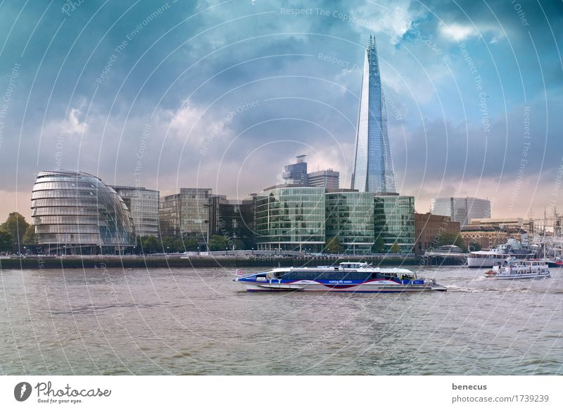 London Skyline Himmel Wasser Wolken Architektur Wasserfahrzeug Wachstum modern Hochhaus Kultur Zukunft Fluss neu Sehenswürdigkeit Wahrzeichen Hauptstadt