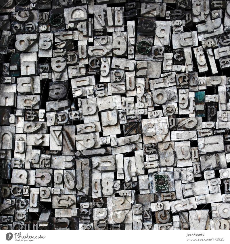 Buchstabensalat kalt Ordnung grau Metall liegen Design Schriftzeichen Technik & Technologie retro Zeichen Grafik u. Illustration historisch viele Tradition