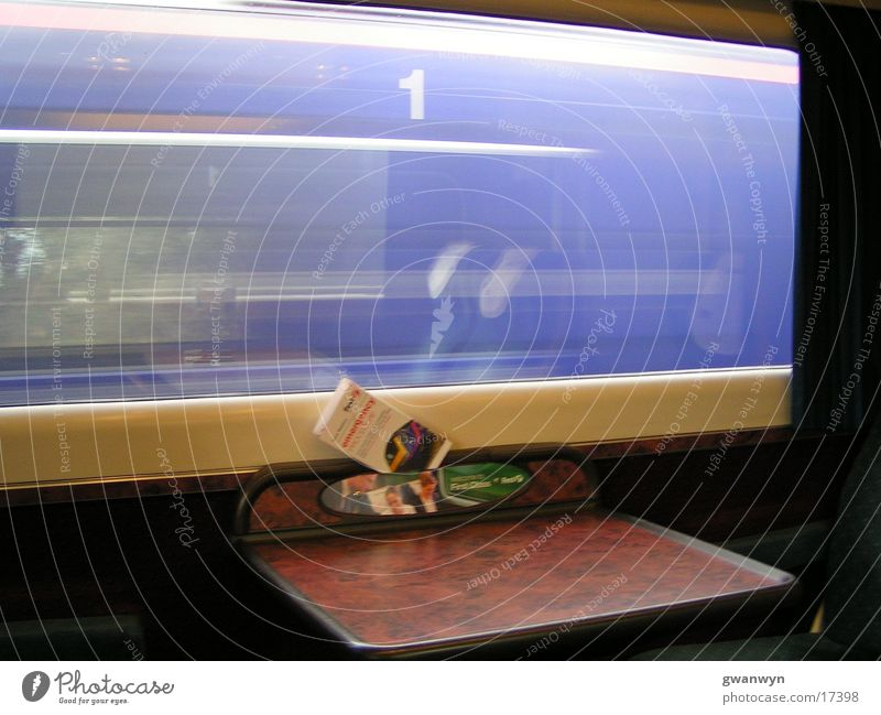 speed Eisenbahn Mobilität Verkehr Geschwindlichkeit Ferien & Urlaub & Reisen vobeifahren unterwegs mit Zug