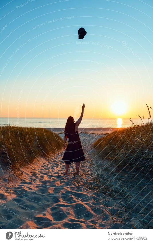 Ankommen .... Mensch Frau Natur Ferien & Urlaub & Reisen Sommer Wasser Landschaft Meer Erholung Freude Strand Erwachsene Leben feminin Glück Freiheit