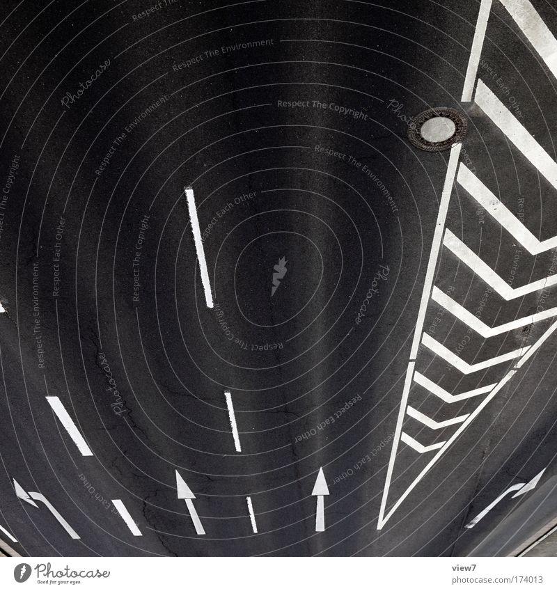 Stadtverkehr weiß schwarz Straße Wege & Pfade Stimmung Linie Beton Verkehr ästhetisch Brücke authentisch außergewöhnlich Coolness Streifen fahren rein