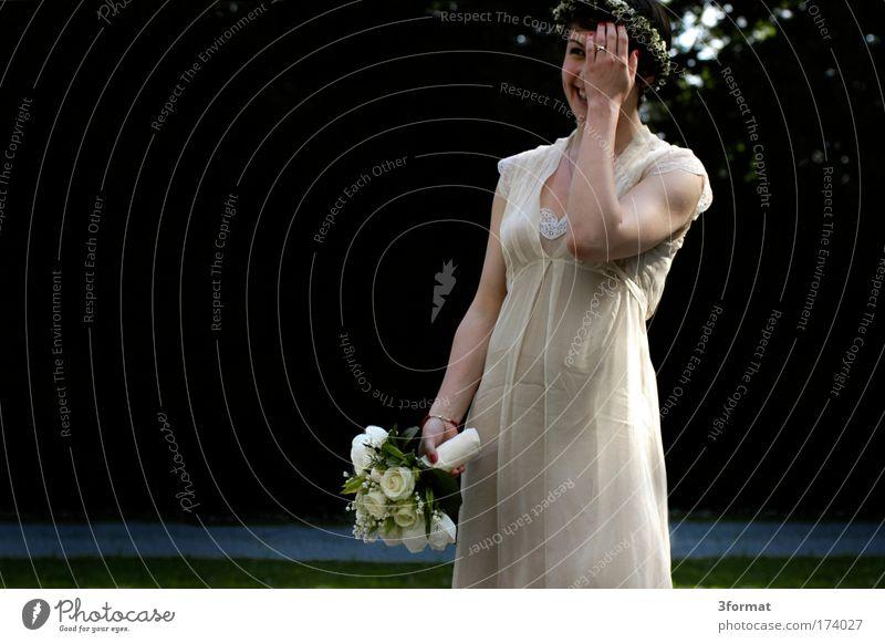 DIE BRAUT Frau Mensch Jugendliche schön Liebe Leben feminin Glück lachen träumen Zusammensein Feste & Feiern Erwachsene Hochzeit verrückt Fröhlichkeit