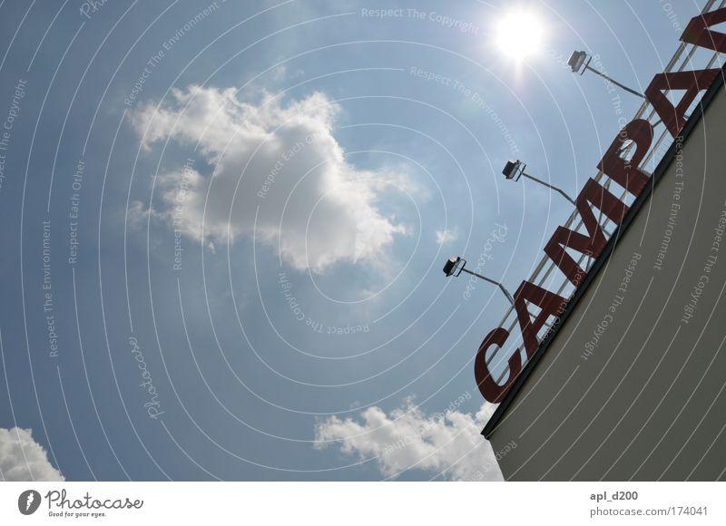 Die Himmel weiß rot Wolken Haus Umwelt Architektur Gebäude Kraft ästhetisch stehen leuchten Macht Bauwerk Museum Stolz