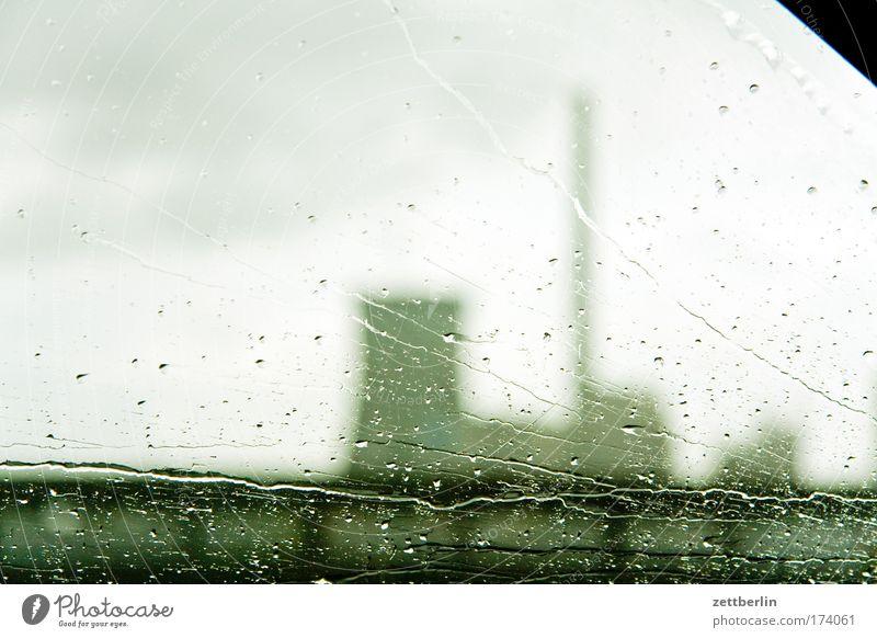 Kraftwerk Regen Glas Autofenster Wassertropfen Energiewirtschaft Industrie Industriefotografie Tropfen Schornstein Fensterscheibe Umweltschutz Scheibe