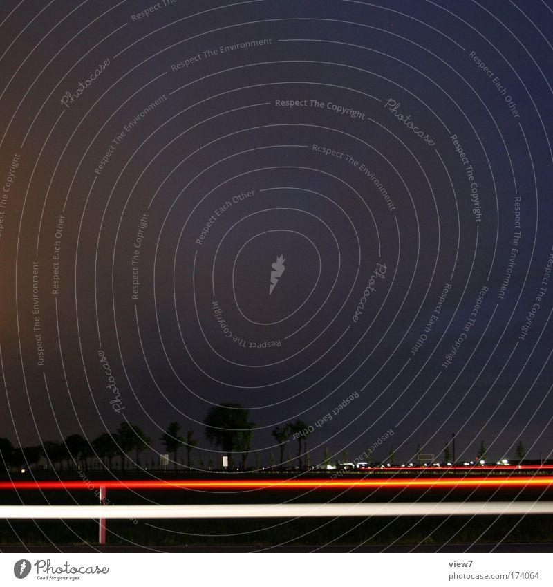 Nachtschicht weiß Baum Stadt rot Ferien & Urlaub & Reisen schwarz Wolken Ferne Straße Wege & Pfade Landschaft Linie Verkehr Erde Geschwindigkeit Ausflug