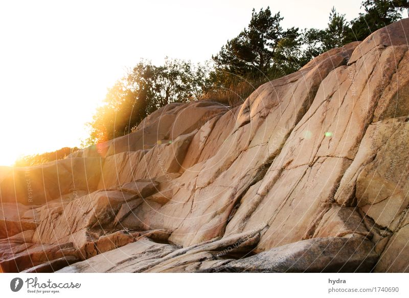 rote rosa Granit Felsen auf Schäre in Schweden Abenteuer Insel Berge u. Gebirge wandern Klettern Bergsteigen Urelemente Erde Sonne Sonnenaufgang Sonnenuntergang