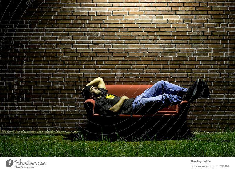 just relax for one moment Mensch ruhig Erholung Wand Gefühle Garten Freiheit Mauer Nacht Wohnung maskulin Raum schlafen Zeit Sofa Lebensfreude