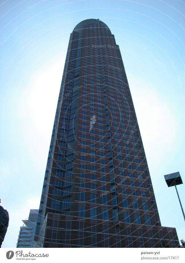 Gigant Stadt Architektur Hochhaus Spitze Frankfurt am Main Hessen Messeturm