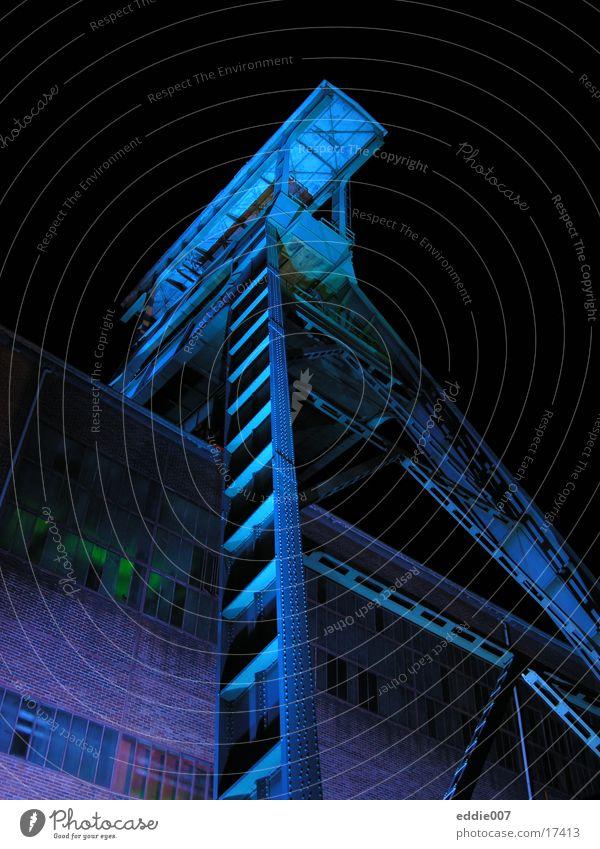 Zeche Ewald II blau Industrie Turm Bergbau Topf Illumination Ruhrgebiet