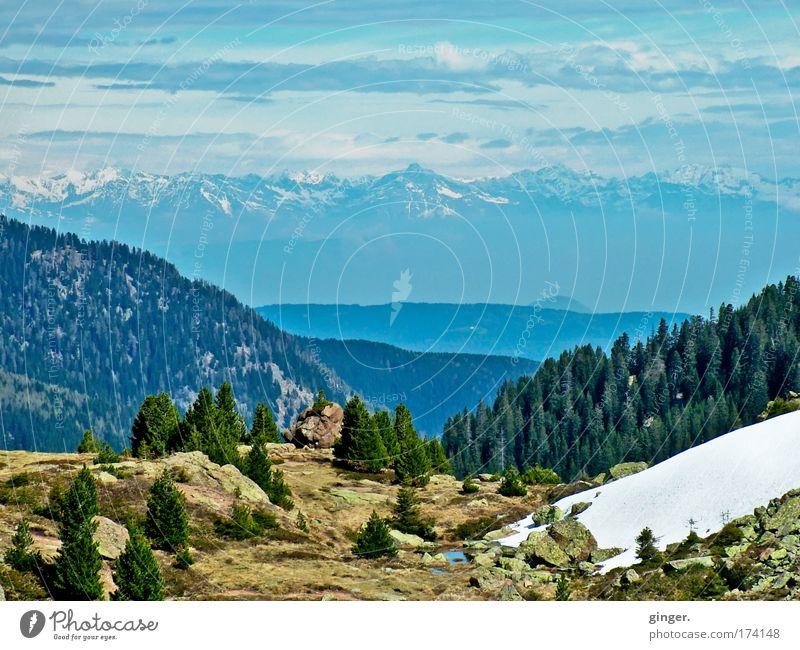 La Montanara für das Objektihief Himmel Natur blau grün weiß Baum Wolken Landschaft Wald Ferne Umwelt Berge u. Gebirge Schnee Frühling Felsen braun