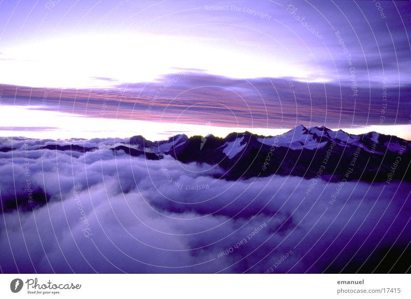Berge im Licht Wolken Naturphänomene Berge u. Gebirge