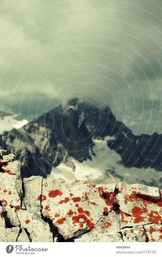 Zugspitze im Nebel Himmel Natur Berge u. Gebirge Landschaft Umwelt Wetter Klima Schuhe Alpen Klettern Schönes Wetter Bayern Turnschuh Silhouette Bergsteigen