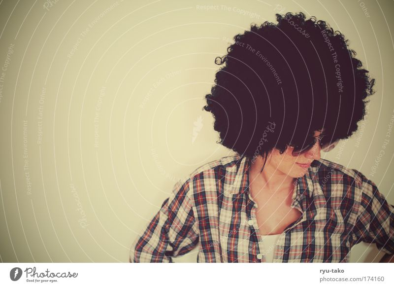 Mrs.K. whoever else? Frau Mensch Jugendliche feminin Stil Haare & Frisuren Kopf Zufriedenheit Erwachsene Brille Hemd Lächeln Piercing Siebziger Jahre kariert schwarzhaarig