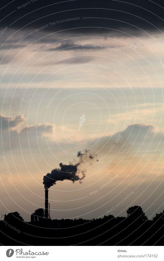 Rauchzeichen Wolken rosa Umwelt brennen Schornstein Abenddämmerung Arbeitsplatz Umweltverschmutzung Produktionsstätte