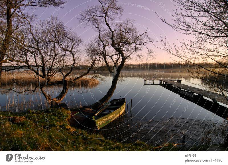 Masurischer See Farbfoto Außenaufnahme Dämmerung Sonnenaufgang Sonnenuntergang Weitwinkel Natur Landschaft Wasser Himmel Masuren Erholung träumen nass natürlich