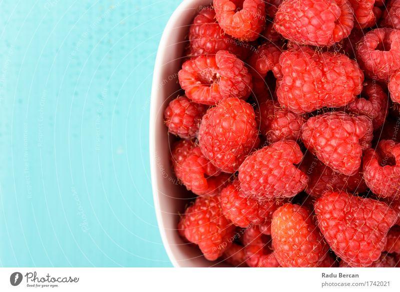 Schüssel frische Himbeeren Natur blau schön Gesunde Ernährung weiß rot Essen Gesundheit Lebensmittel Frucht süß rund Sauberkeit Bioprodukte Frühstück
