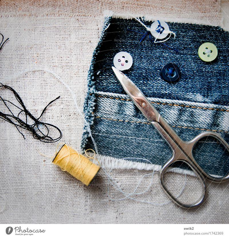 Nicht den Faden verlieren Werkzeug Schere Sammlung Wettertuch Jeansstoff Nähgarn Schnur Naht Metall Kunststoff Arbeit & Erwerbstätigkeit dünn authentisch fest